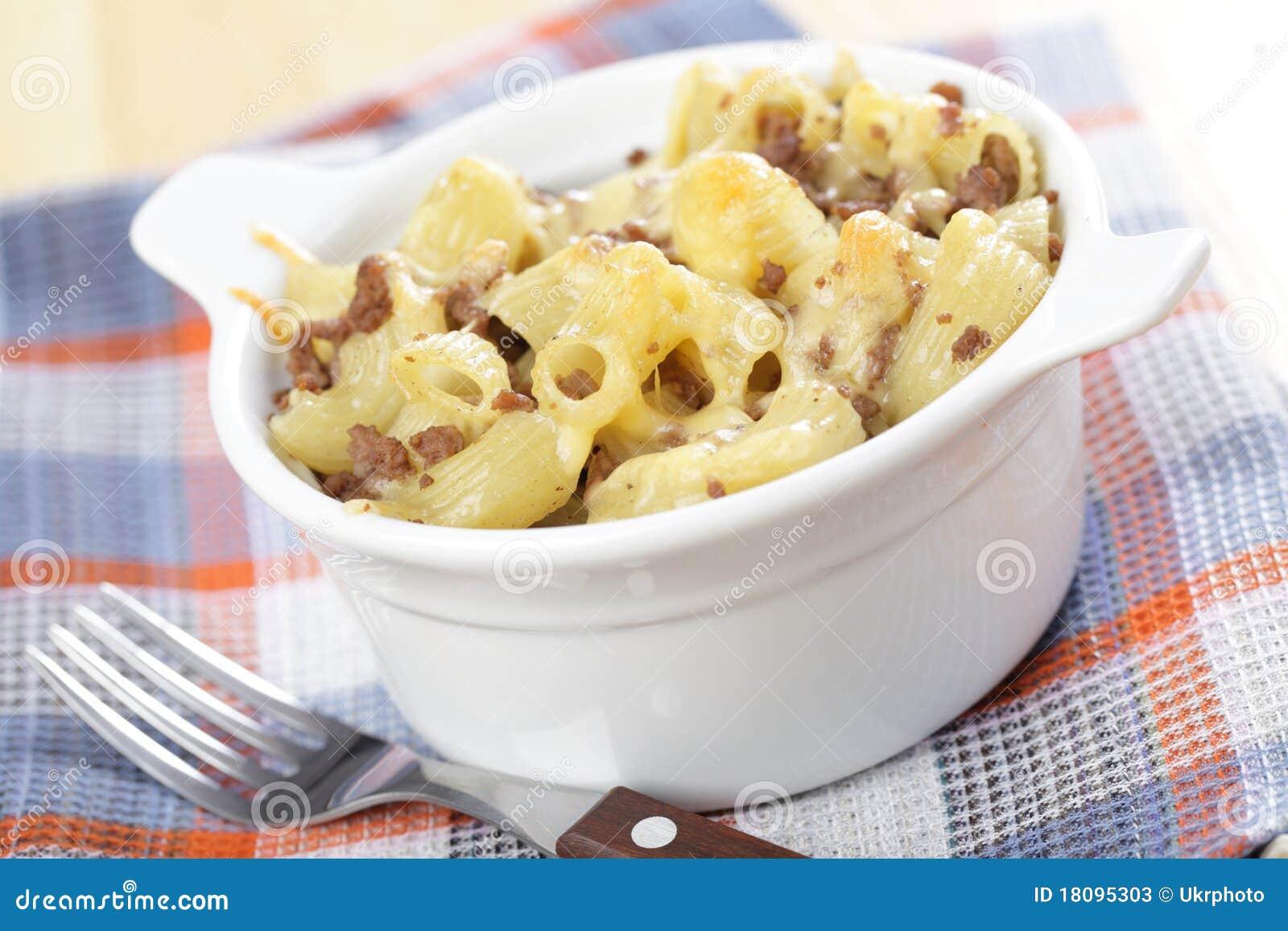 Macaroni för nötköttostjordning