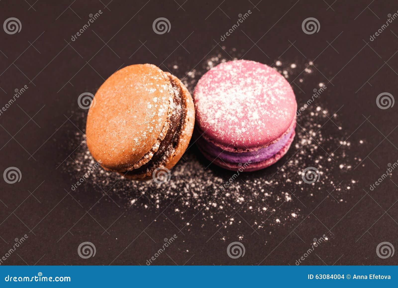 Download Macarons colorés français photo stock. Image du biscuit - 63084004