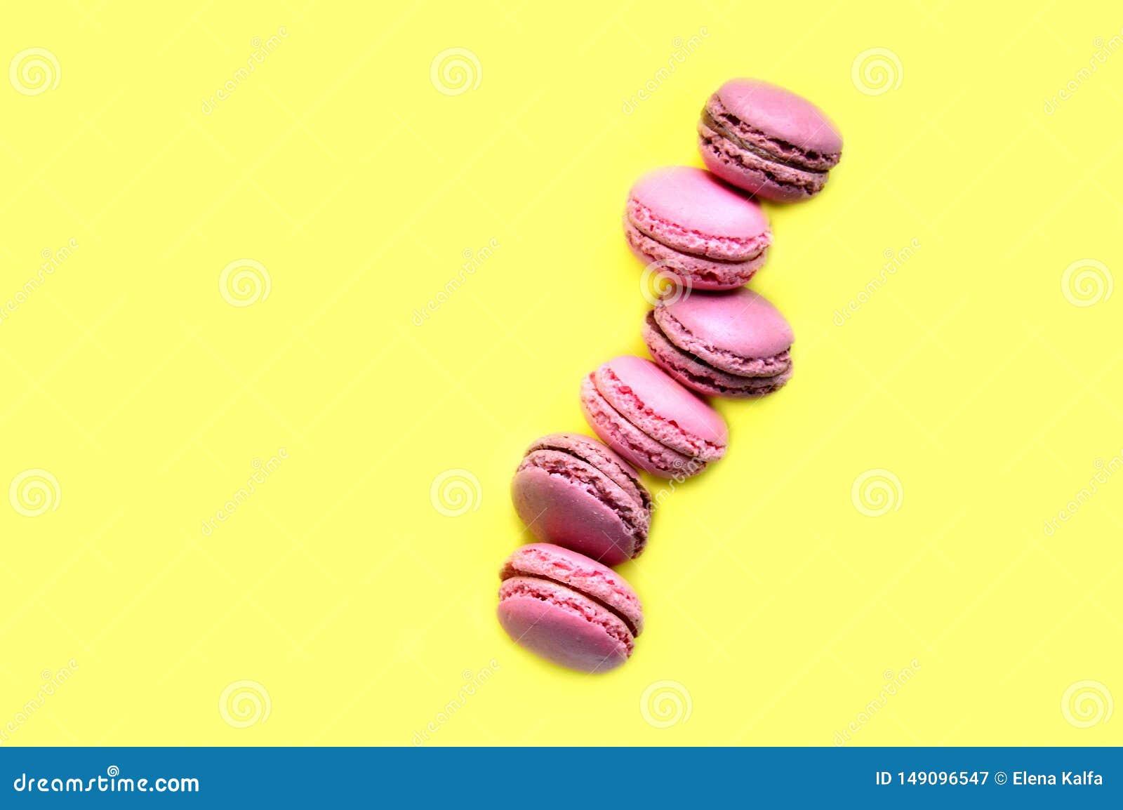 Macarons doces saborosos Vista superior O conceito da alegria, presentes
