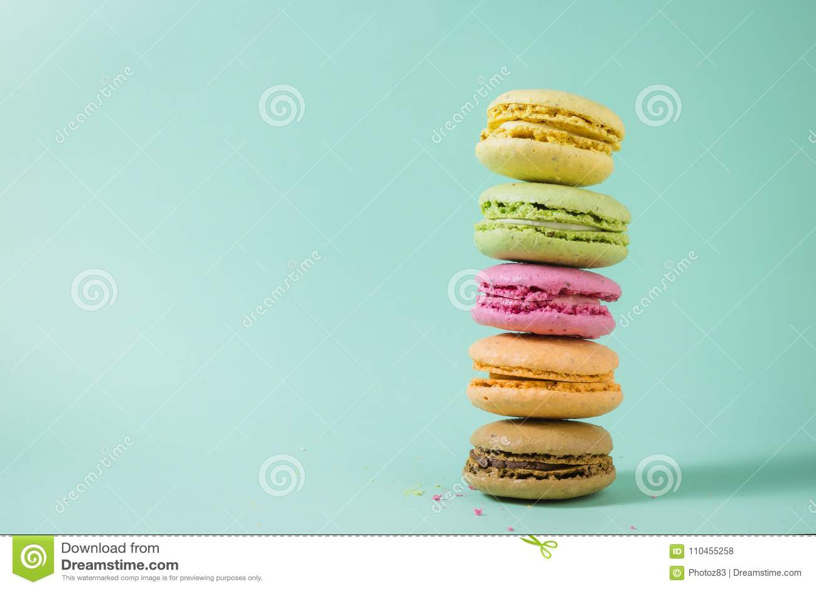 Macarons i olika färger