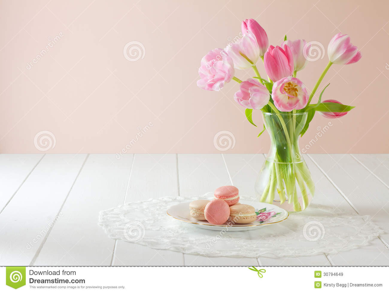 Macarons On Plate With Tulips Royalty Free Stock Images - Image ...