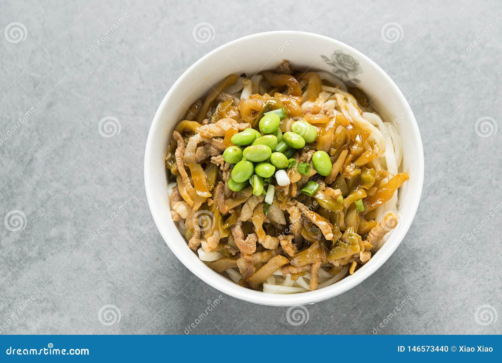 Macarronetes chineses