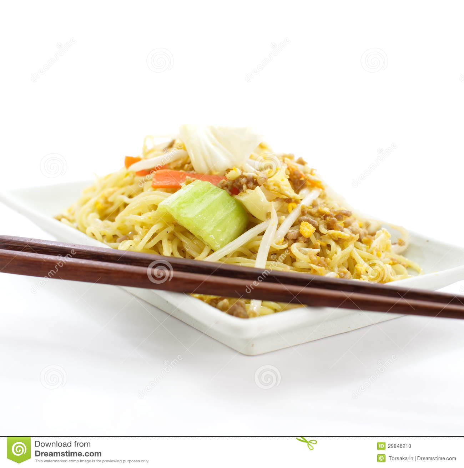 Macarronetes fritados chinês
