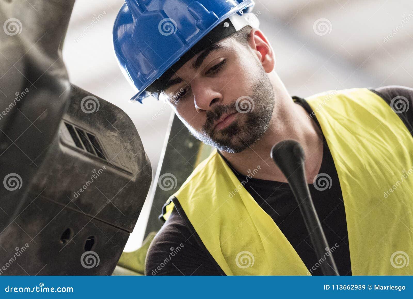 Macchina di funzionamento della revisione del muratore
