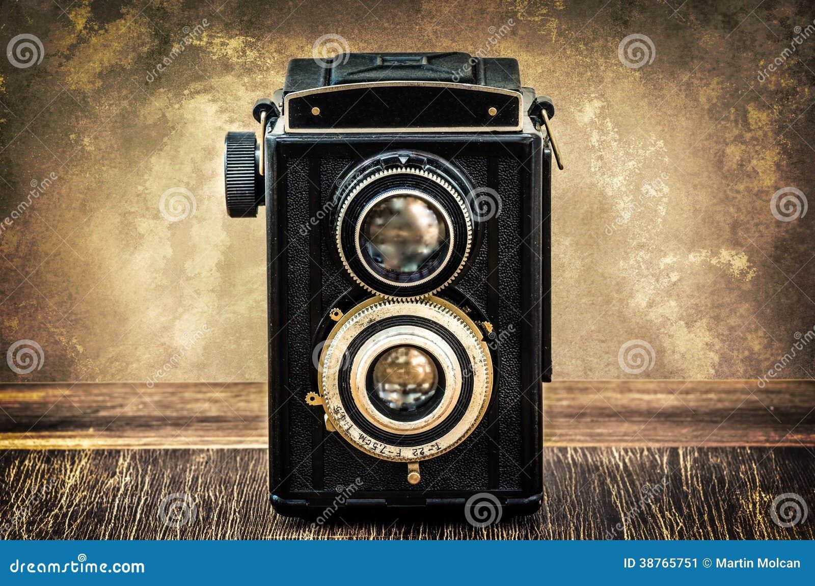 Macchina fotografica antica antiquata nello stile d annata