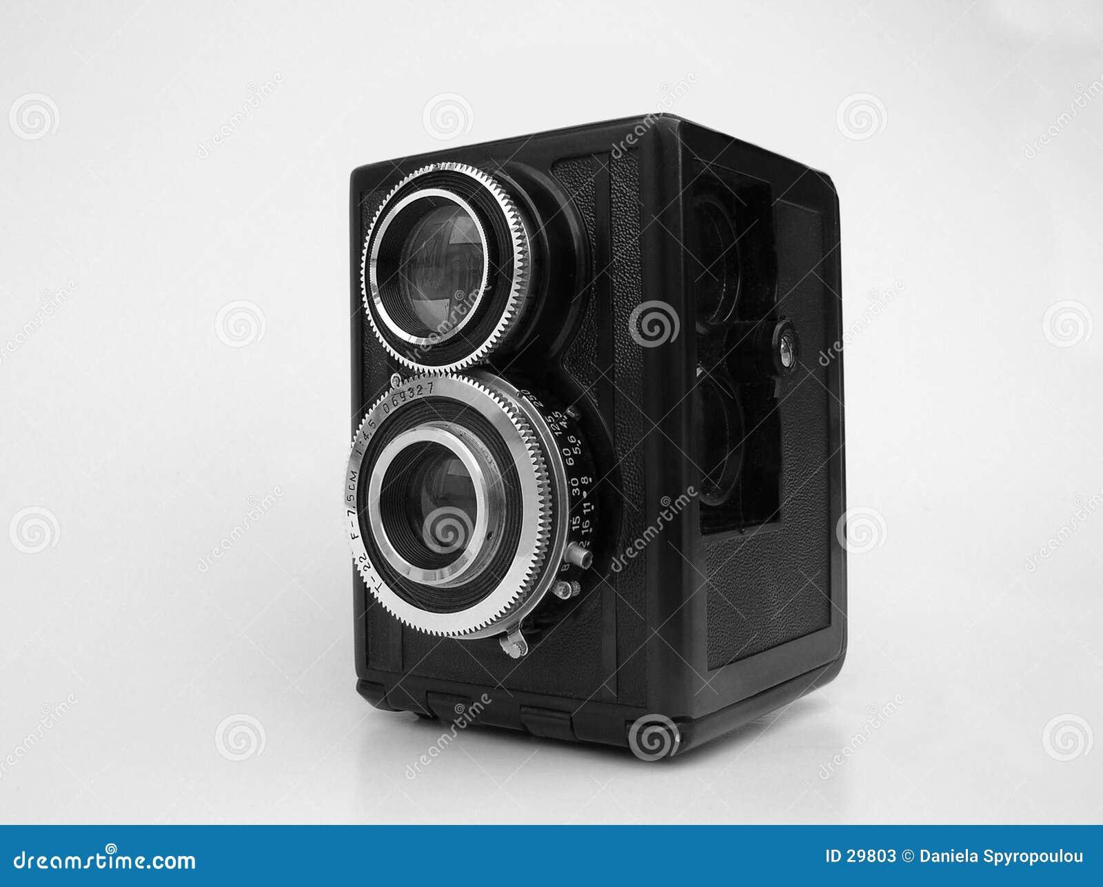 Download Macchina Fotografica Dell'annata Di B/w Immagine Stock - Immagine di oggetto, isolato: 29803