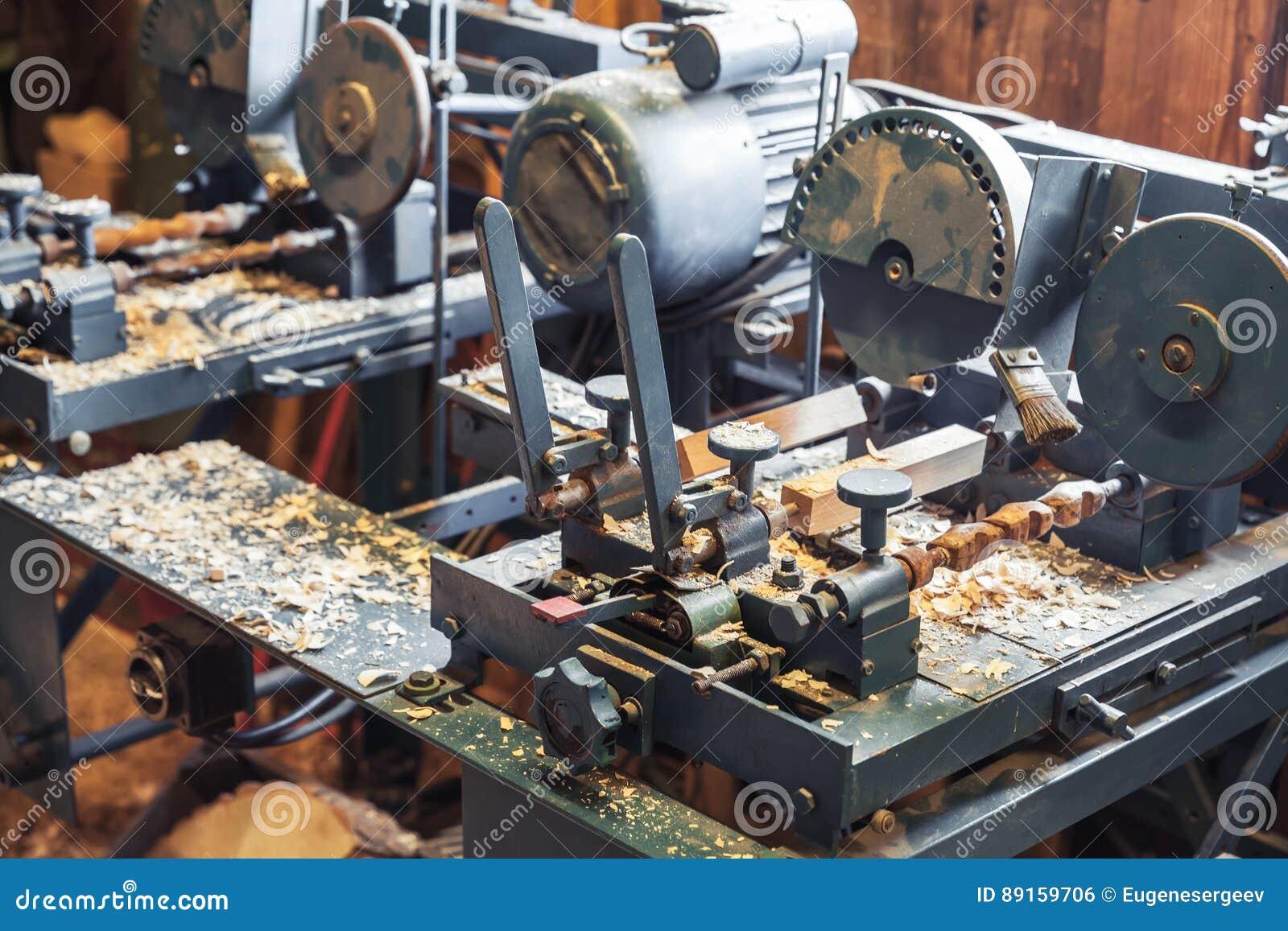 quality design f7371 19293 Macchine Per La Lavorazione Del Legno Nella Fabbrica Di ...