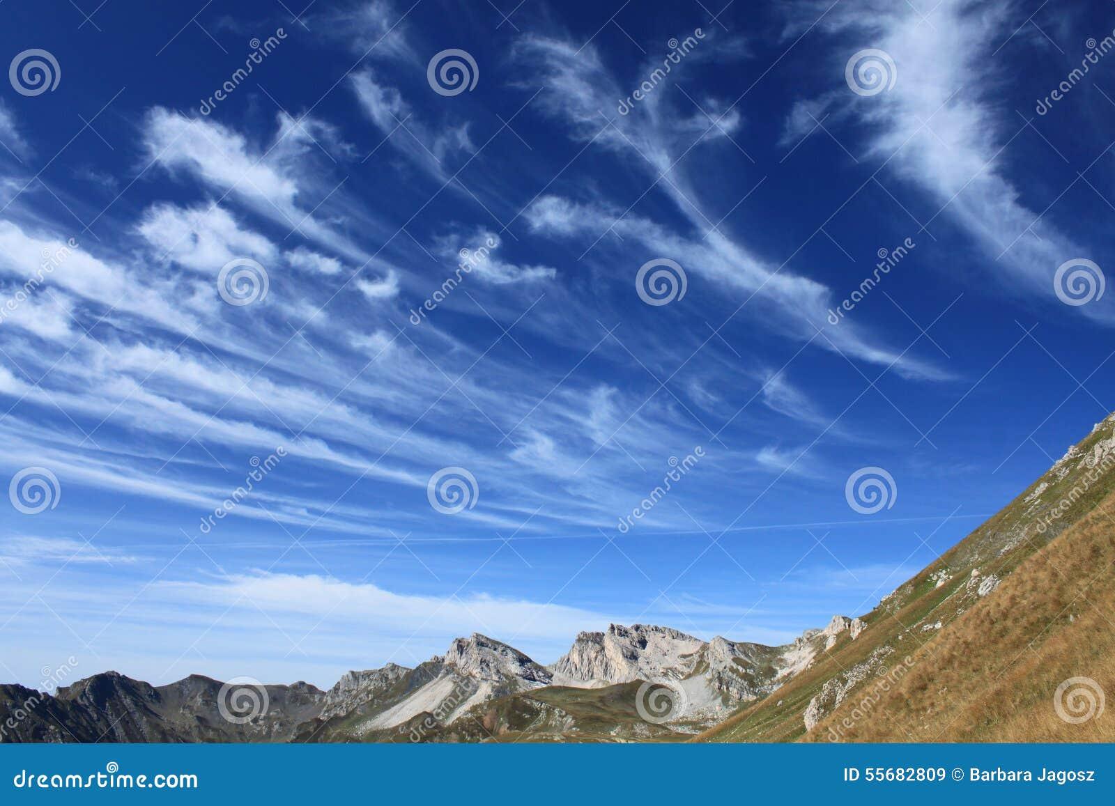 Macedonian cirrus clouds