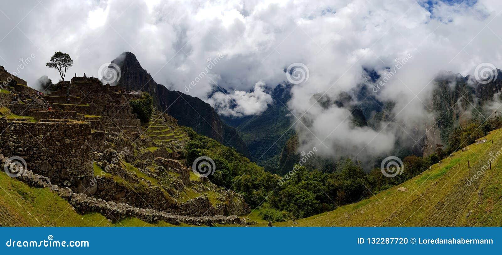 Mach Picchu, Incnca ruiny w Peruwiańskich Andes