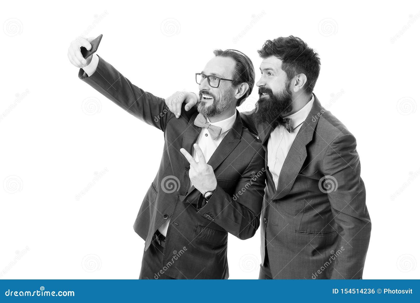 Machen des Fotos mit Gesch?ftsidol Selfie von erfolgreichen Freunden Unternehmer, die zusammen selfie nehmen JPG + vektorabbildun