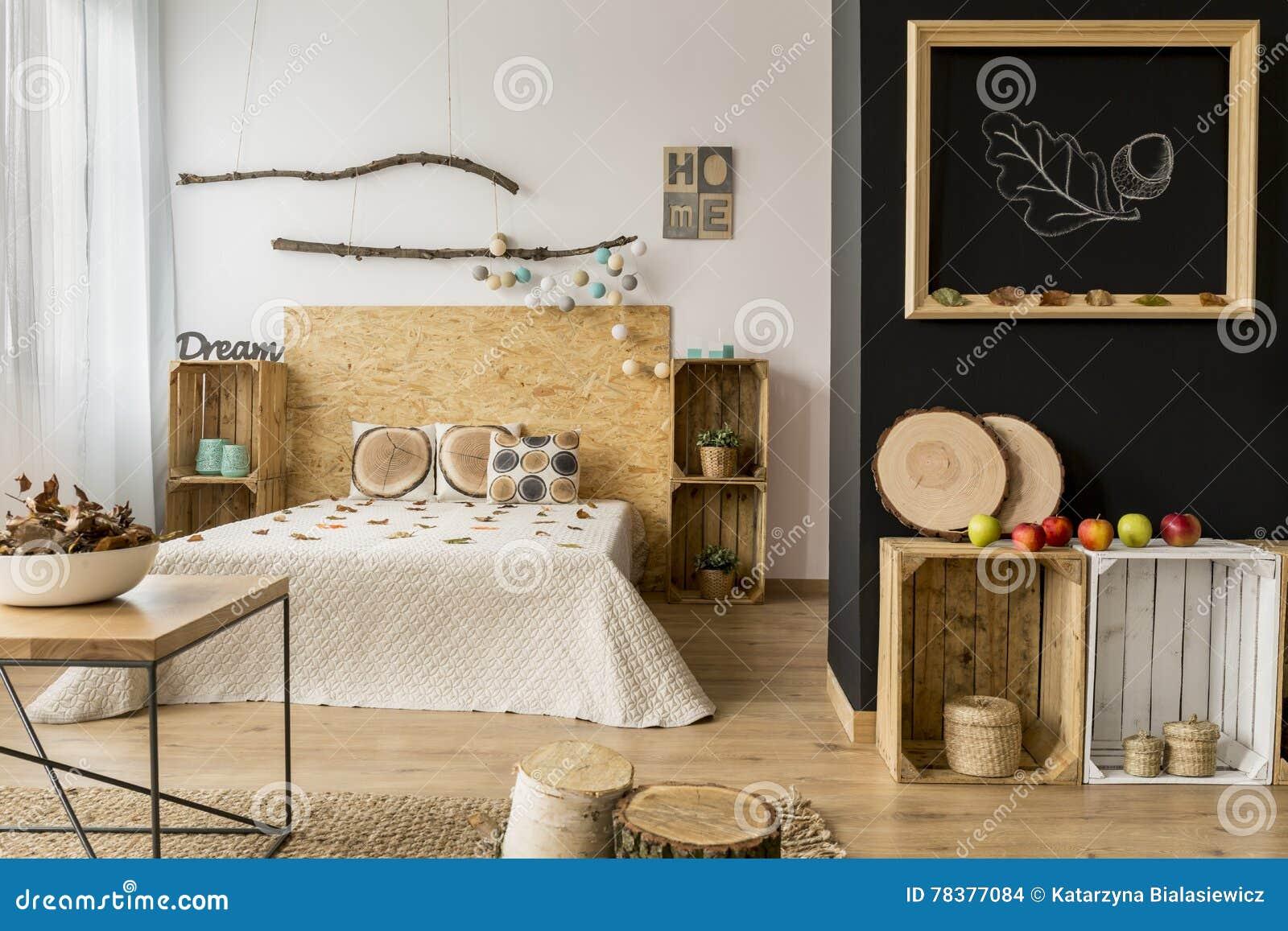 Machen Sie Ihr Haus Schön Für Fall! Stockfoto - Bild von kopfende ...