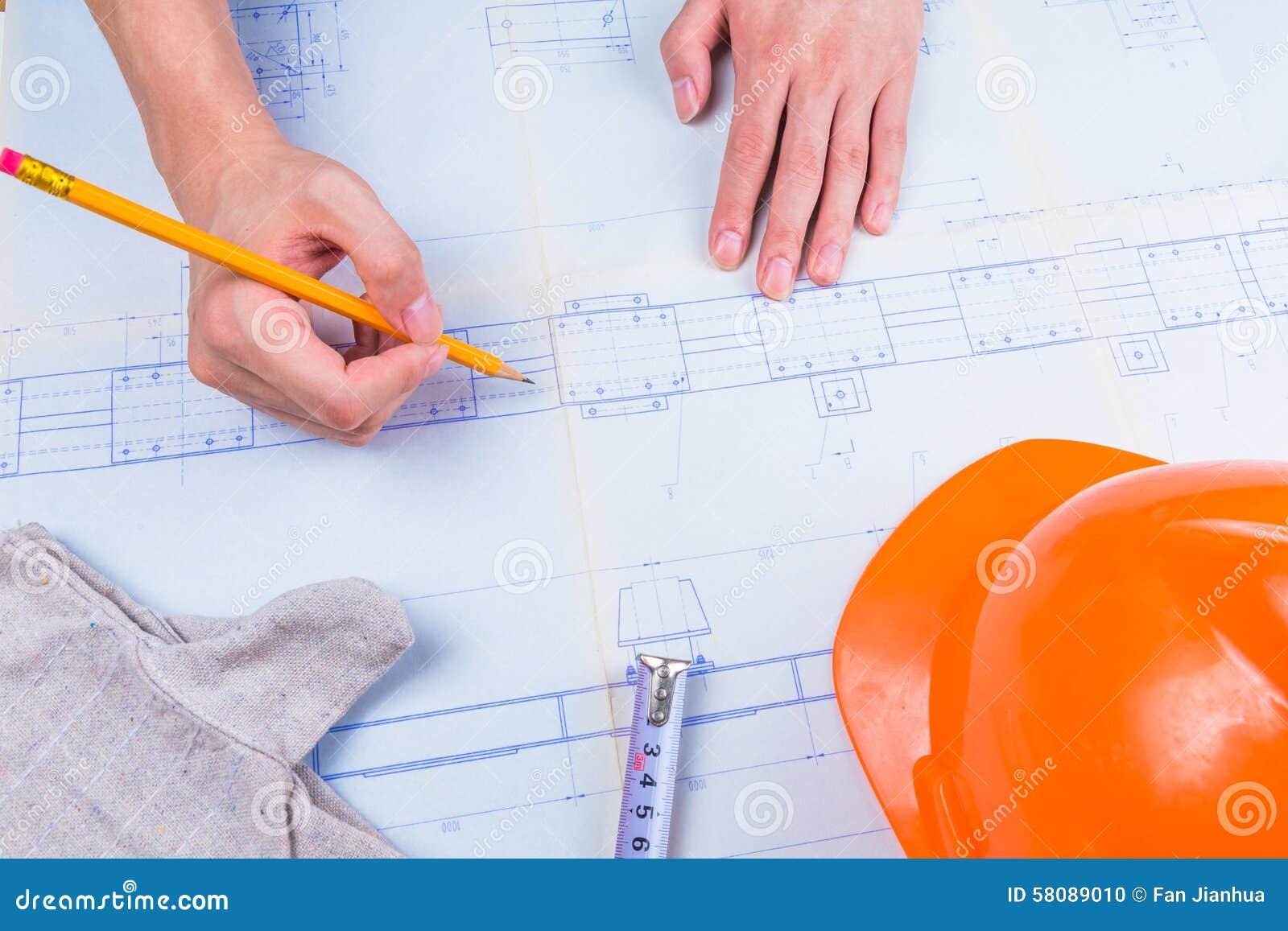 Machinalny projekta inżynier w rysunku