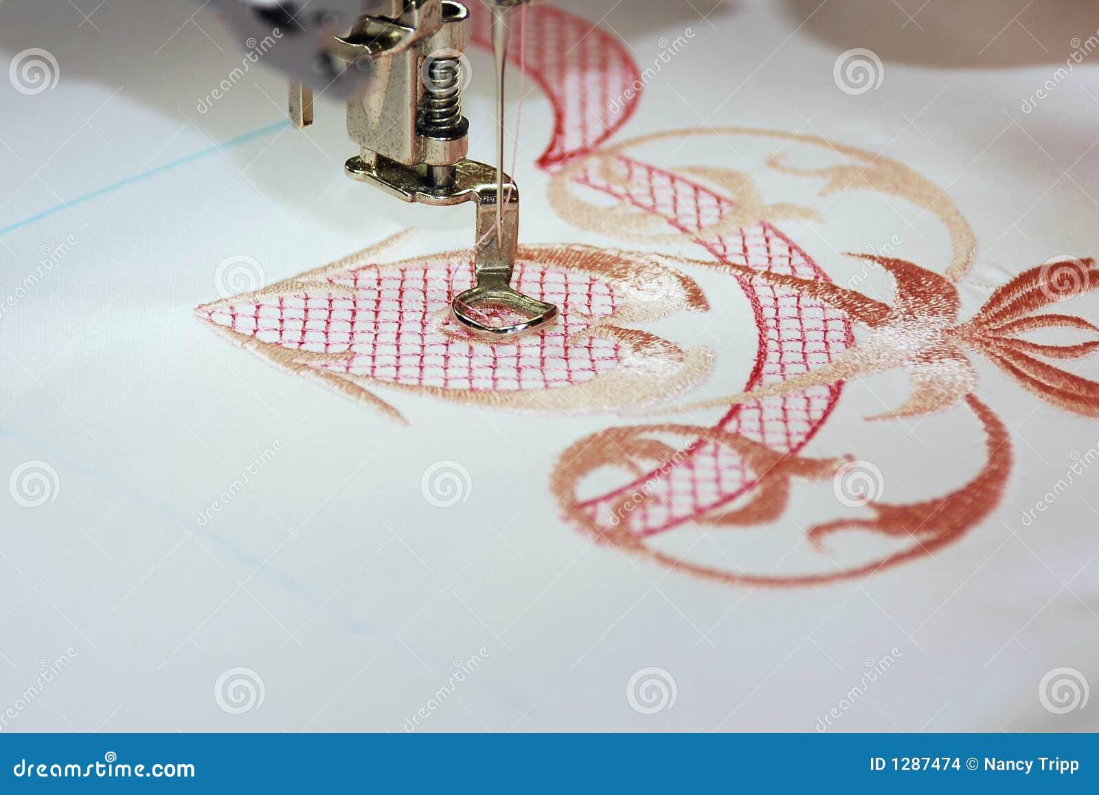 Вышивка на швейной машинке фото
