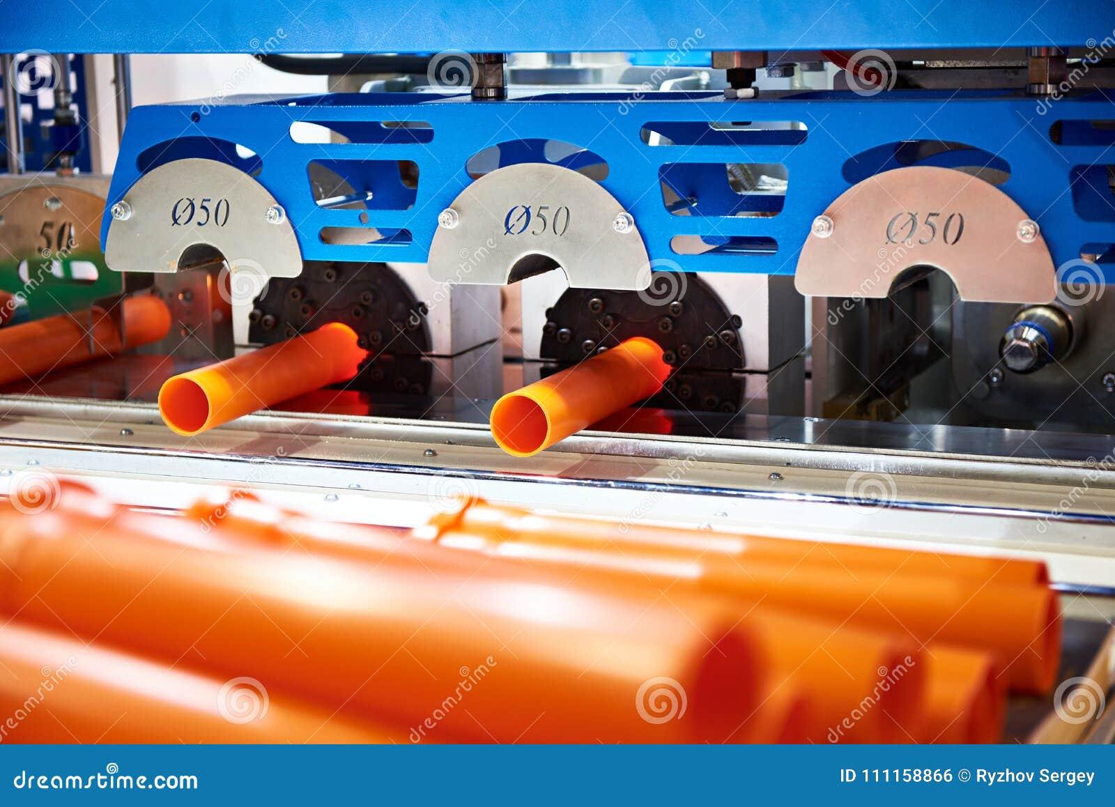 Machine voor productie van plastic pijpen
