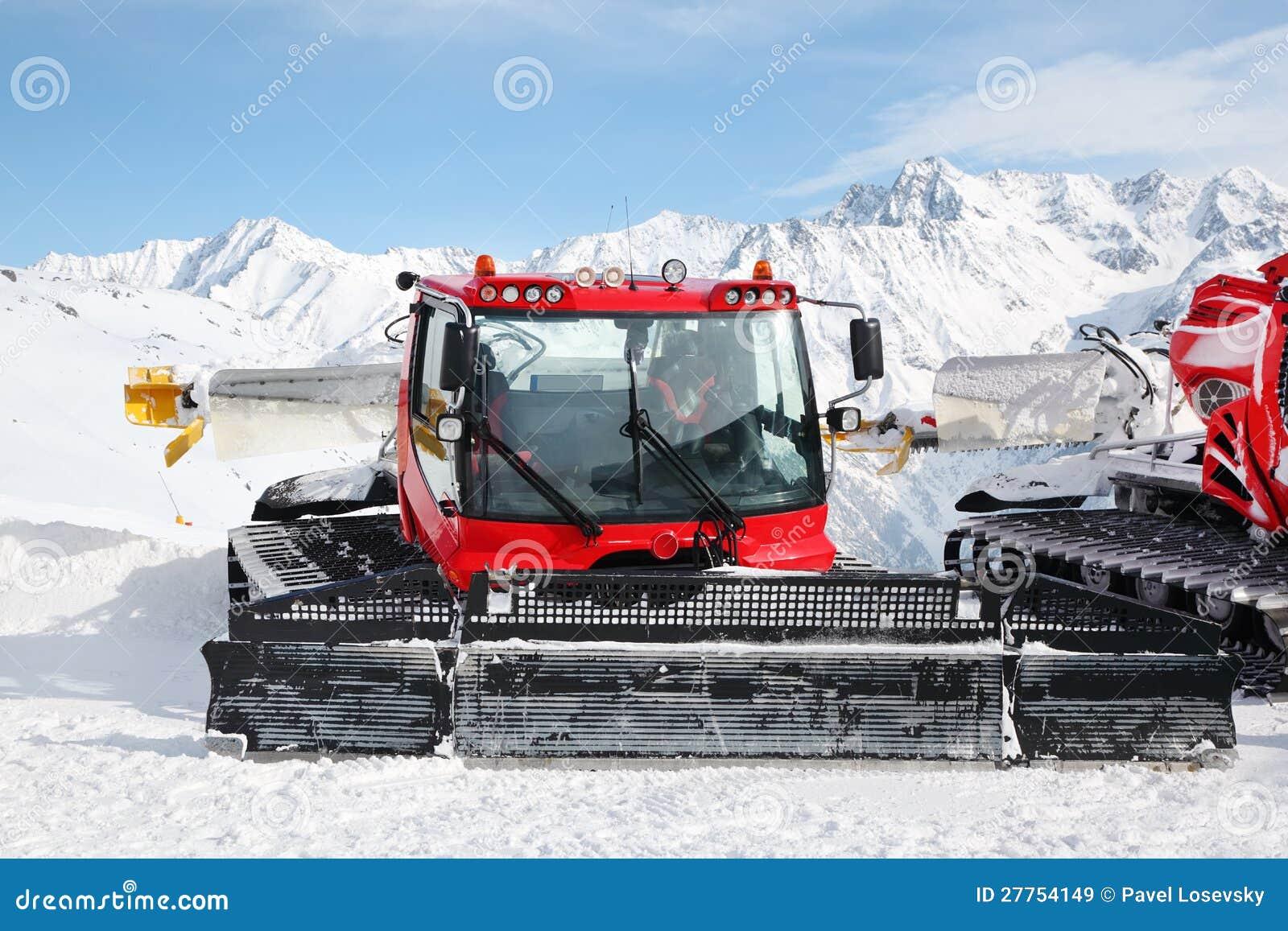 Machines pour des préparations de pente de ski