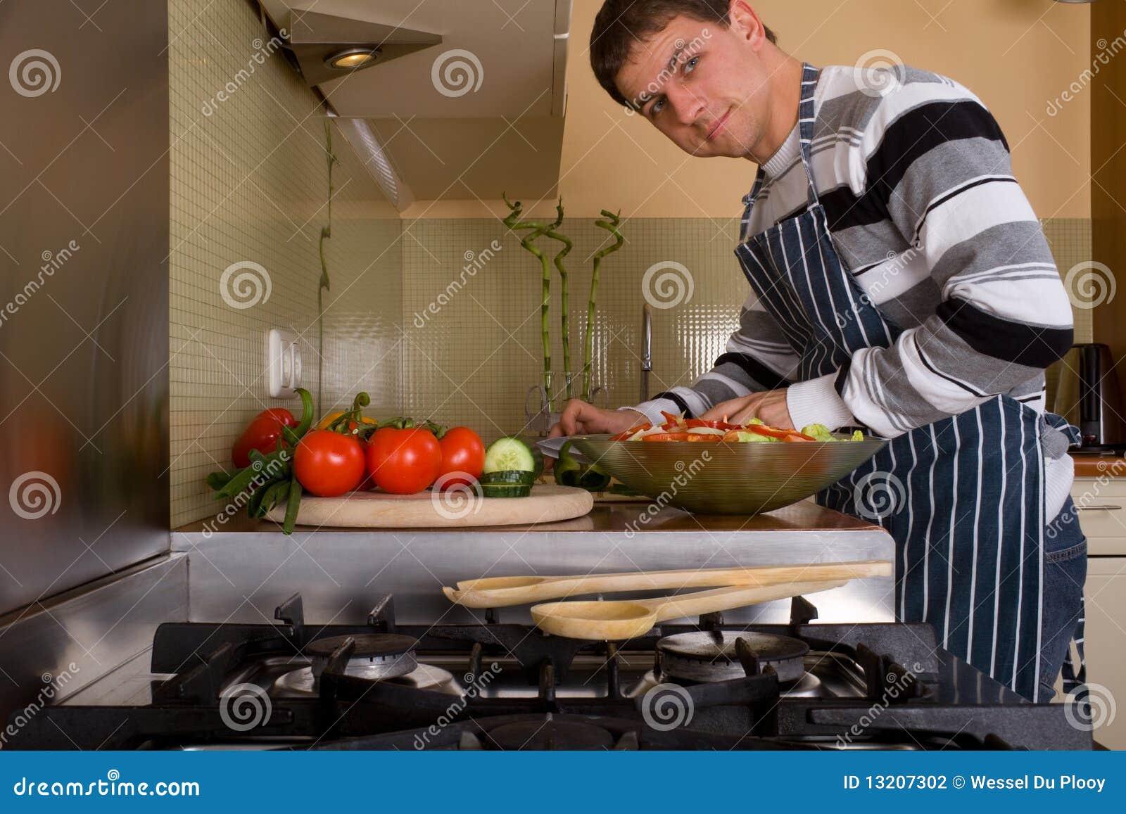 Macho na cozinha home