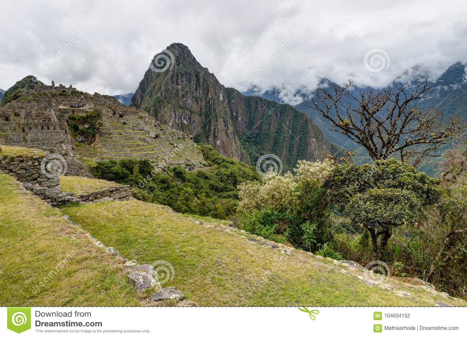 Download Machu Picchu In Peru Custo South America Stock Foto - Afbeelding bestaande uit heuvel, blauw: 104634152