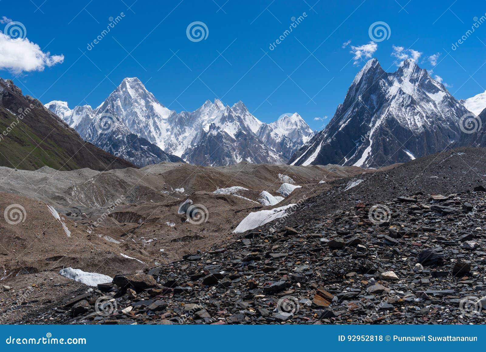 Maciço de Gasherbrum e geleira de Baltoro, K2 passeio na montanha, Paquistão
