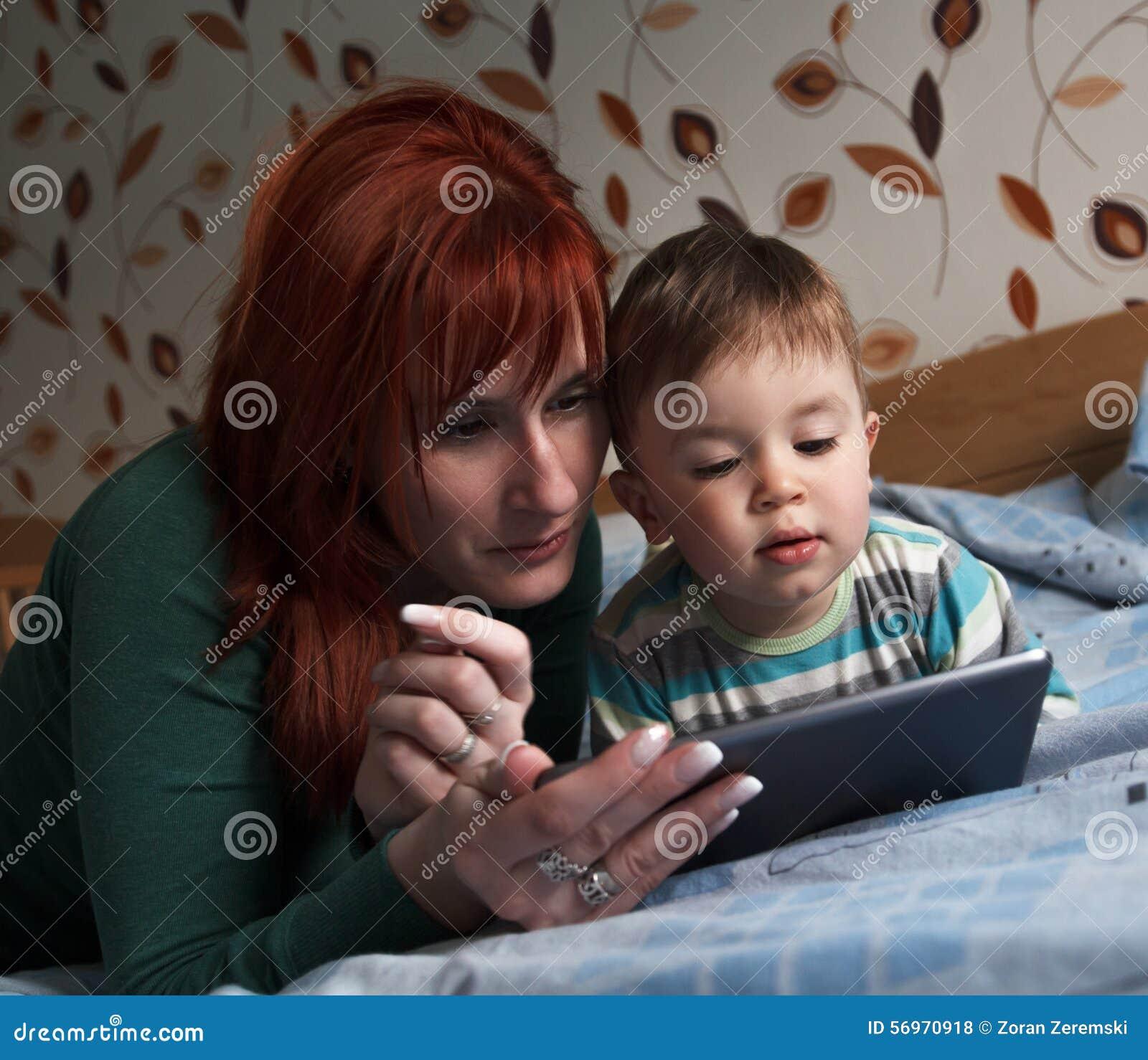 Macierzyste czytelnicze pora snu opowieści jej syn