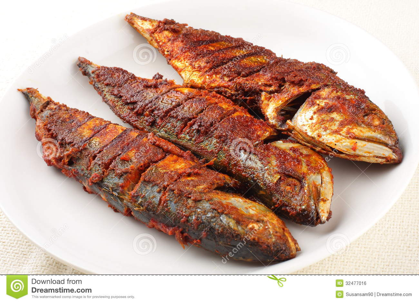Mackerel Deep Fry Royalty Free Stock Image - Image: 32477016