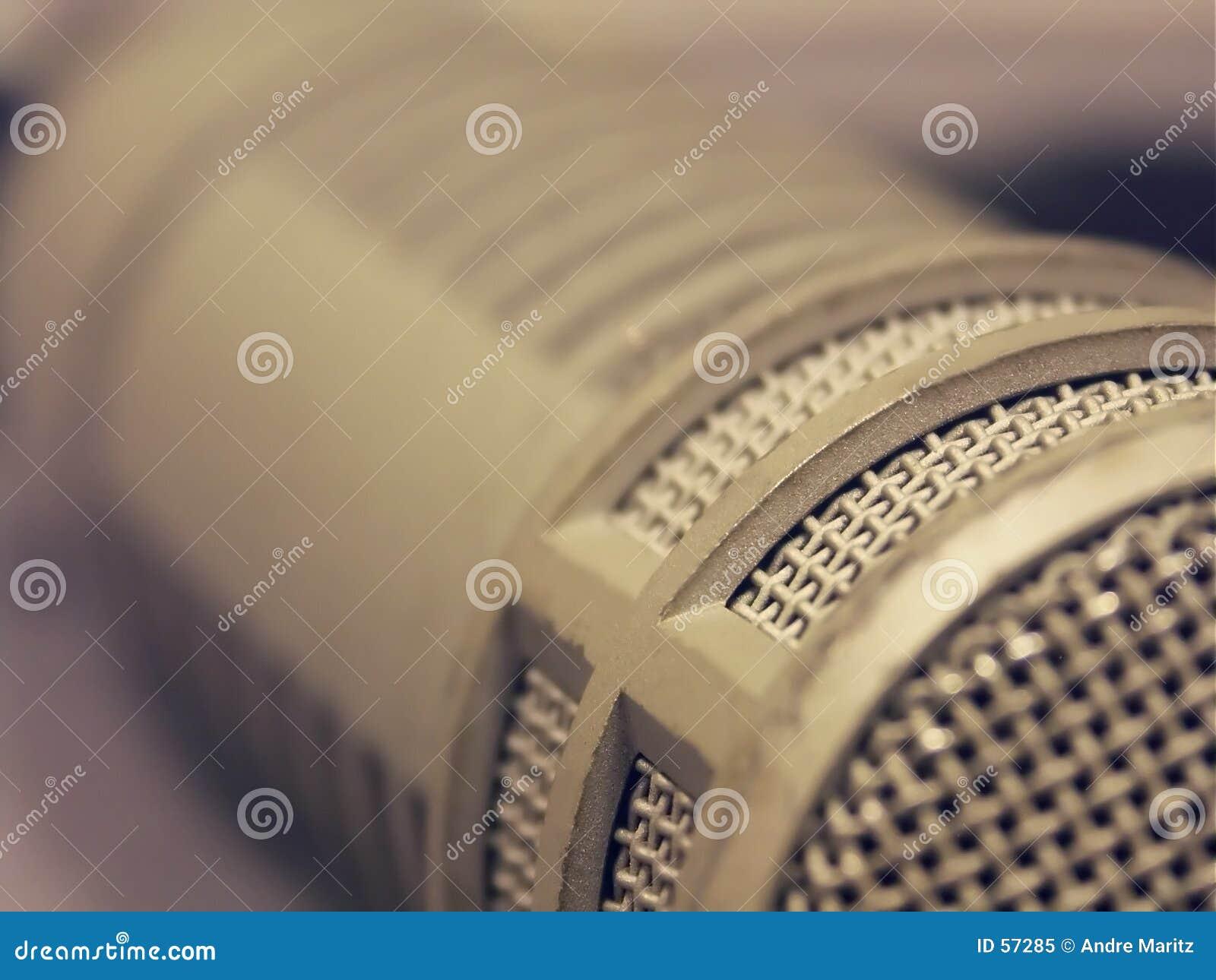 Macro del micrófono de la difusión