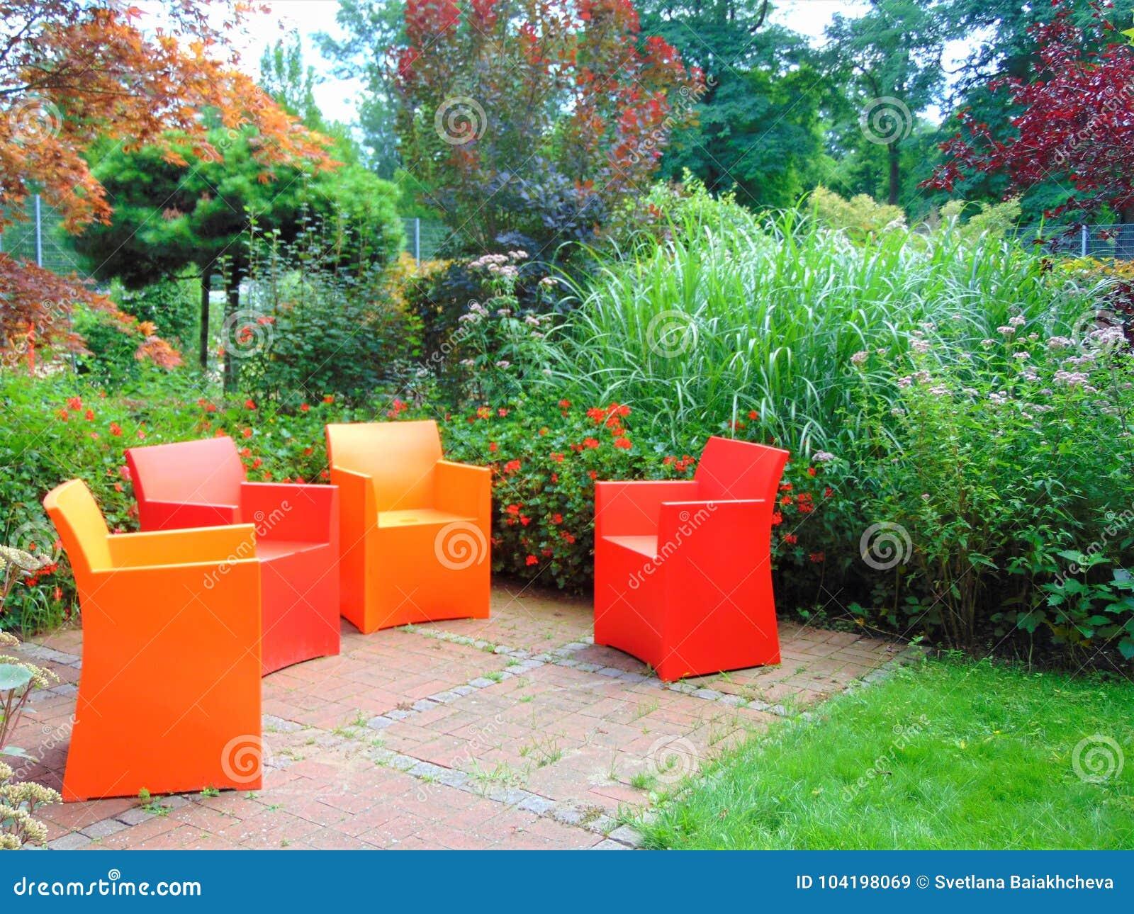 Elementi Decorativi Da Giardino : Macro foto con un fondo decorativo del giardino di architettura