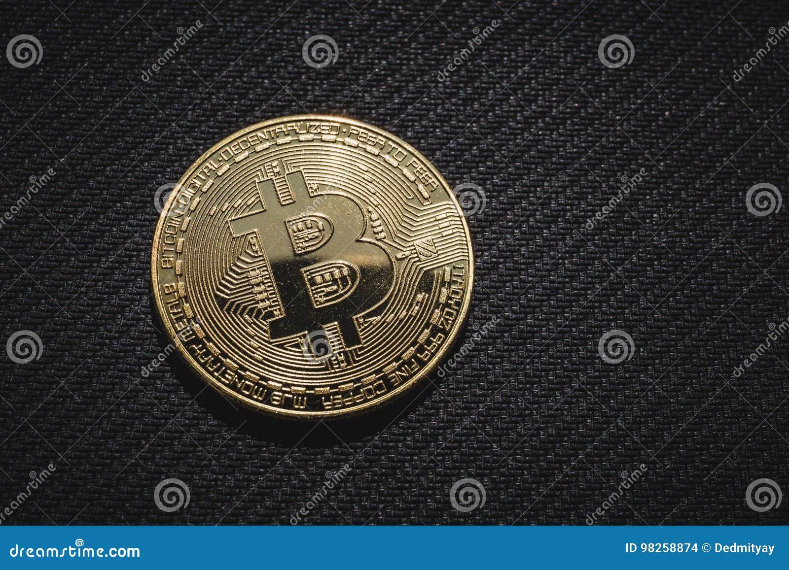 Macro photo de pièce de monnaie d or Bitcoin, argent d affaires de réseau