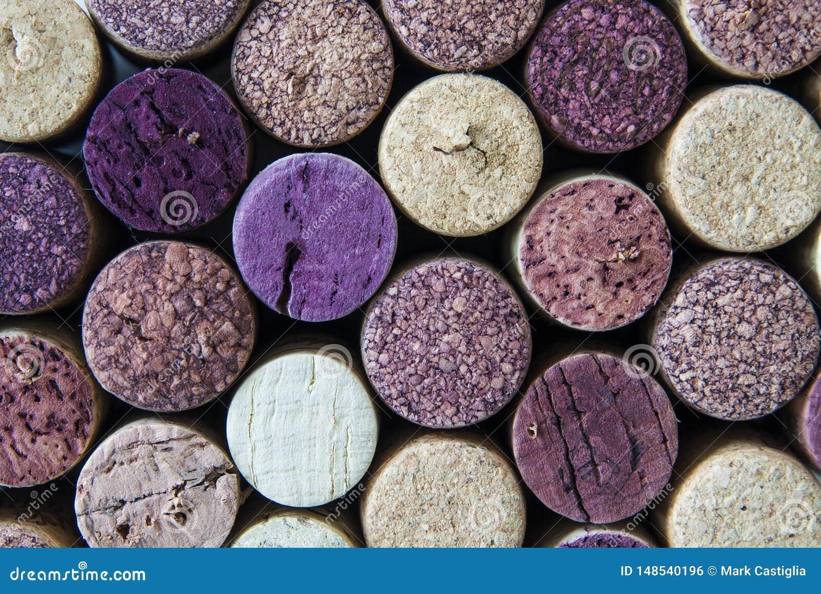 Macro vista dei sugheri usati della bottiglia di vino