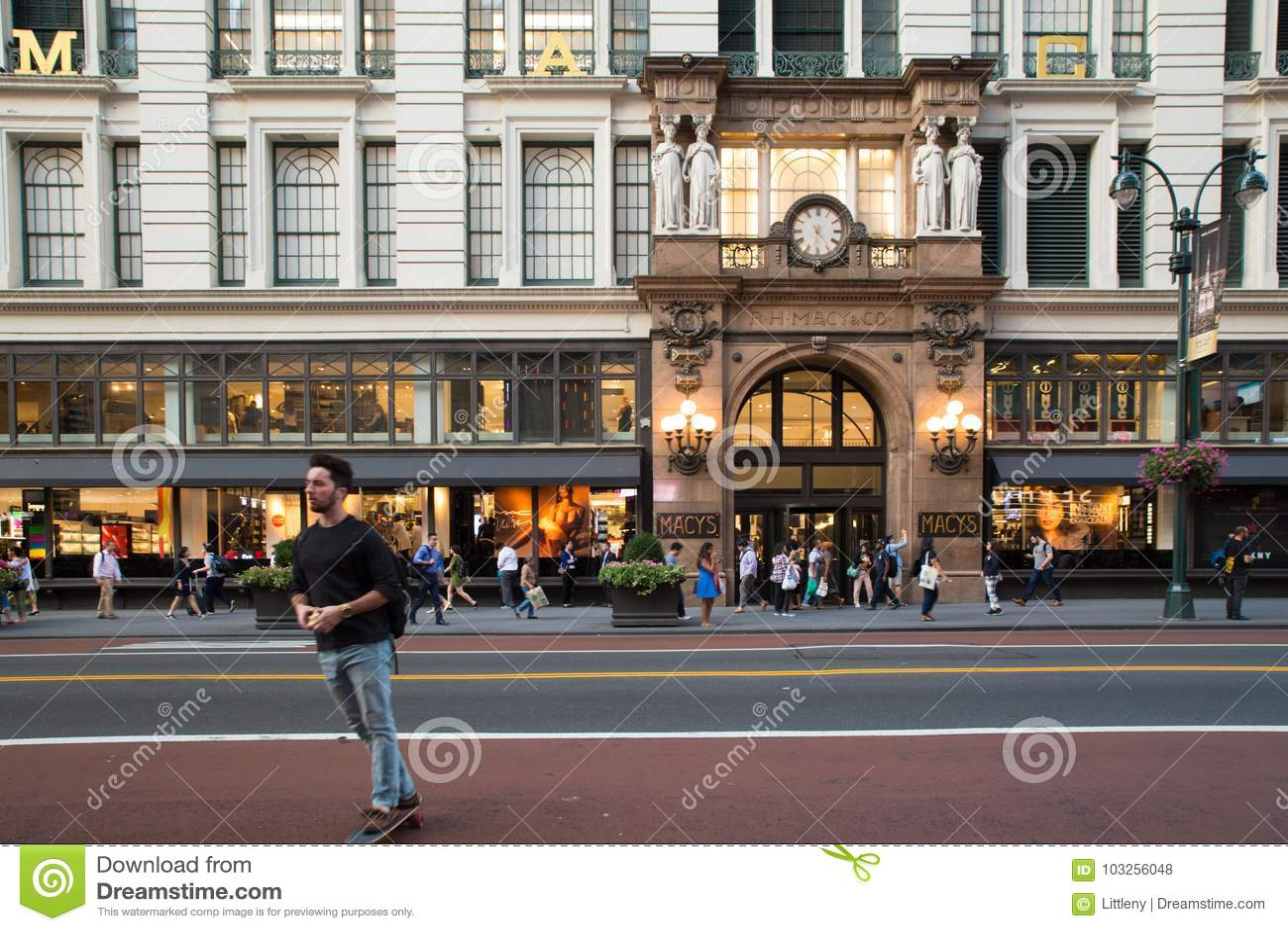 d104bda9191e Macy`s Herald Square NYC editorial stock photo. Image of parade ...