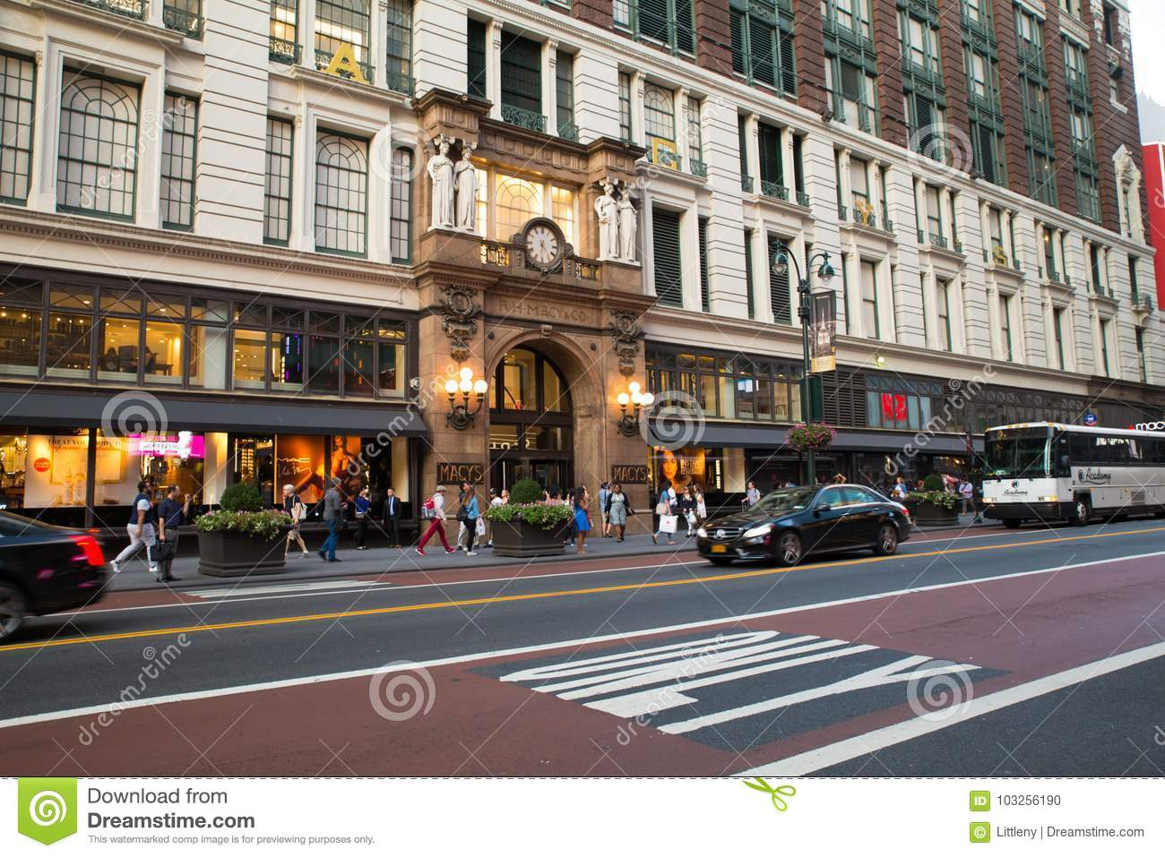eeb5ace87add Macy`s Herald Square NYC editorial image. Image of people - 103256190
