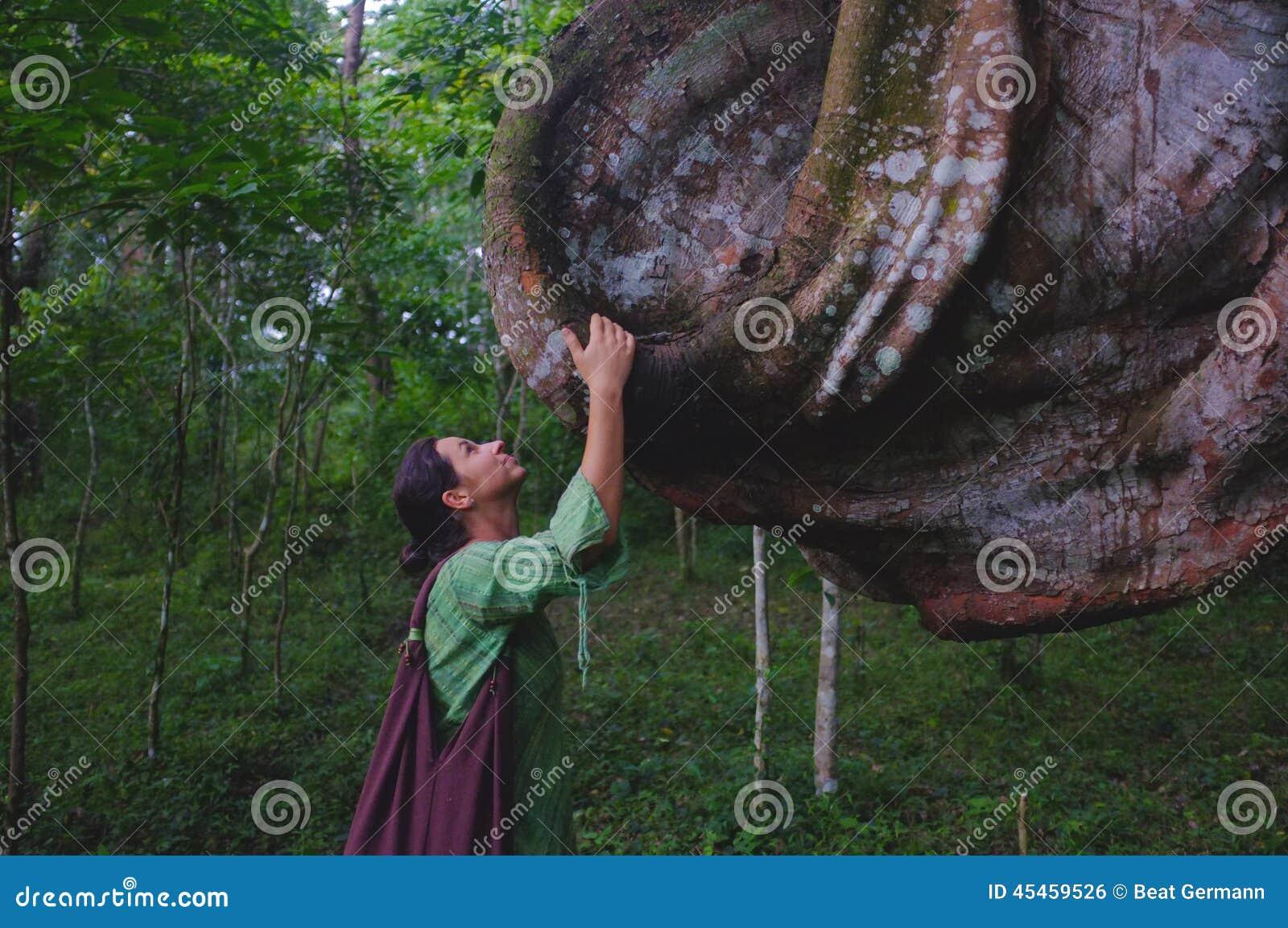 Madame et arbre