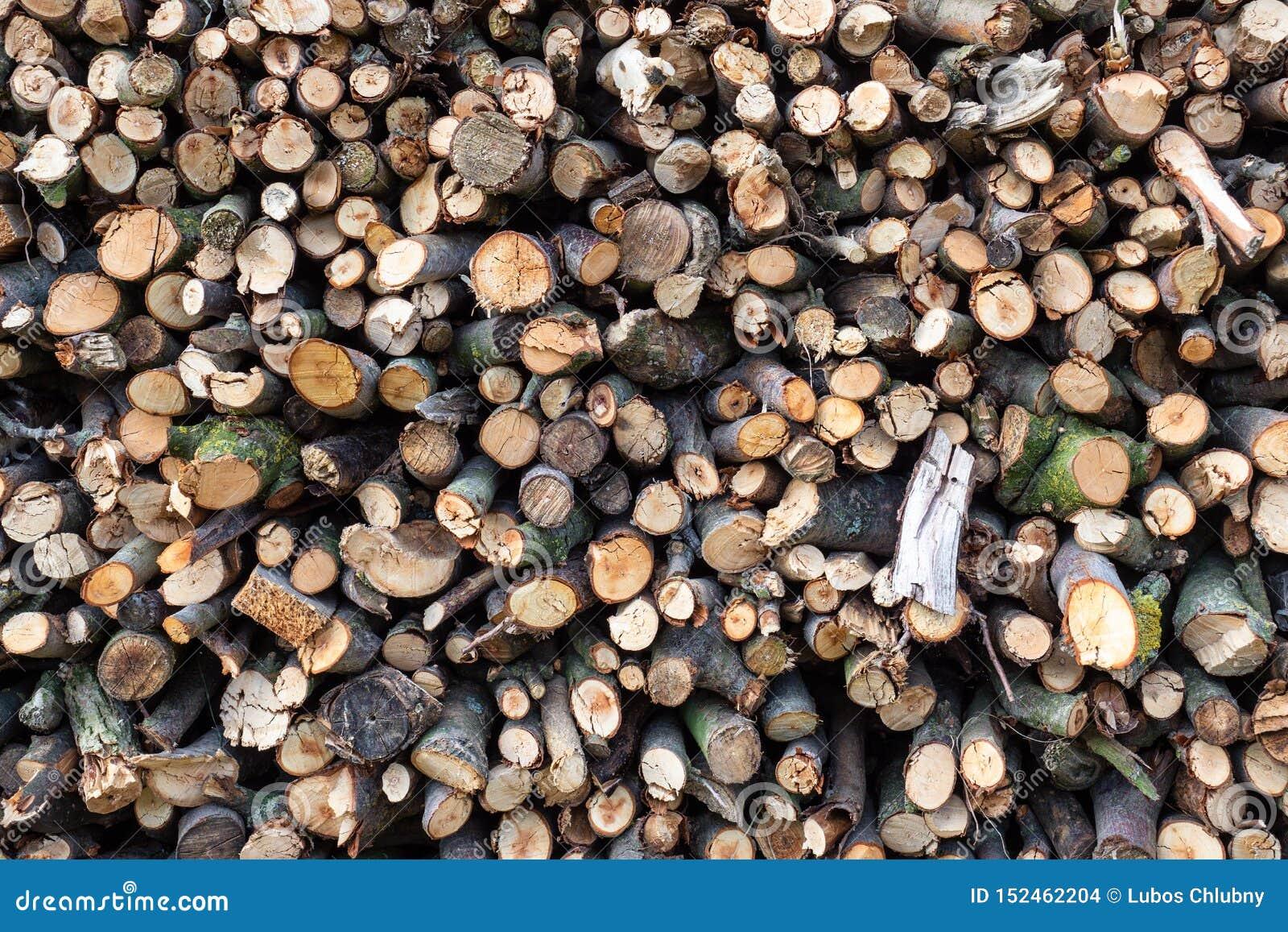 Madeira Spruce no fundo Pilha da lenha