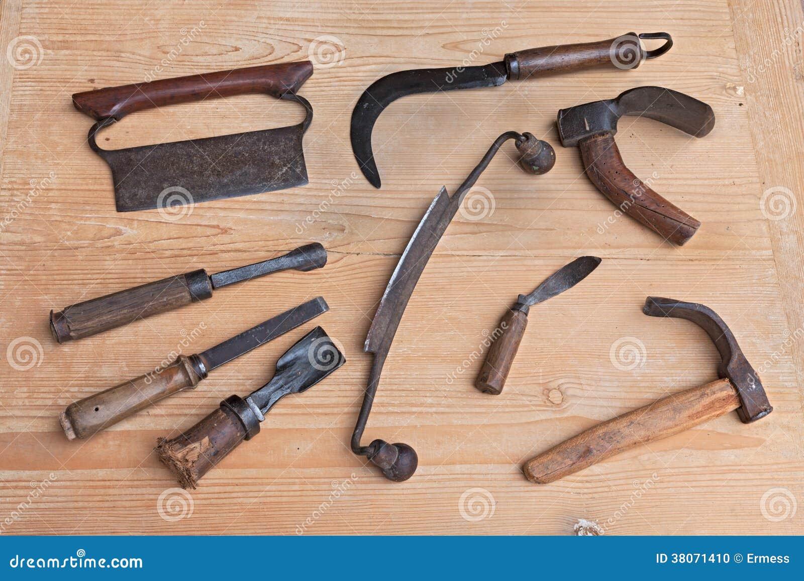 Madera vieja que talla las herramientas foto de archivo - Herramientas de madera ...