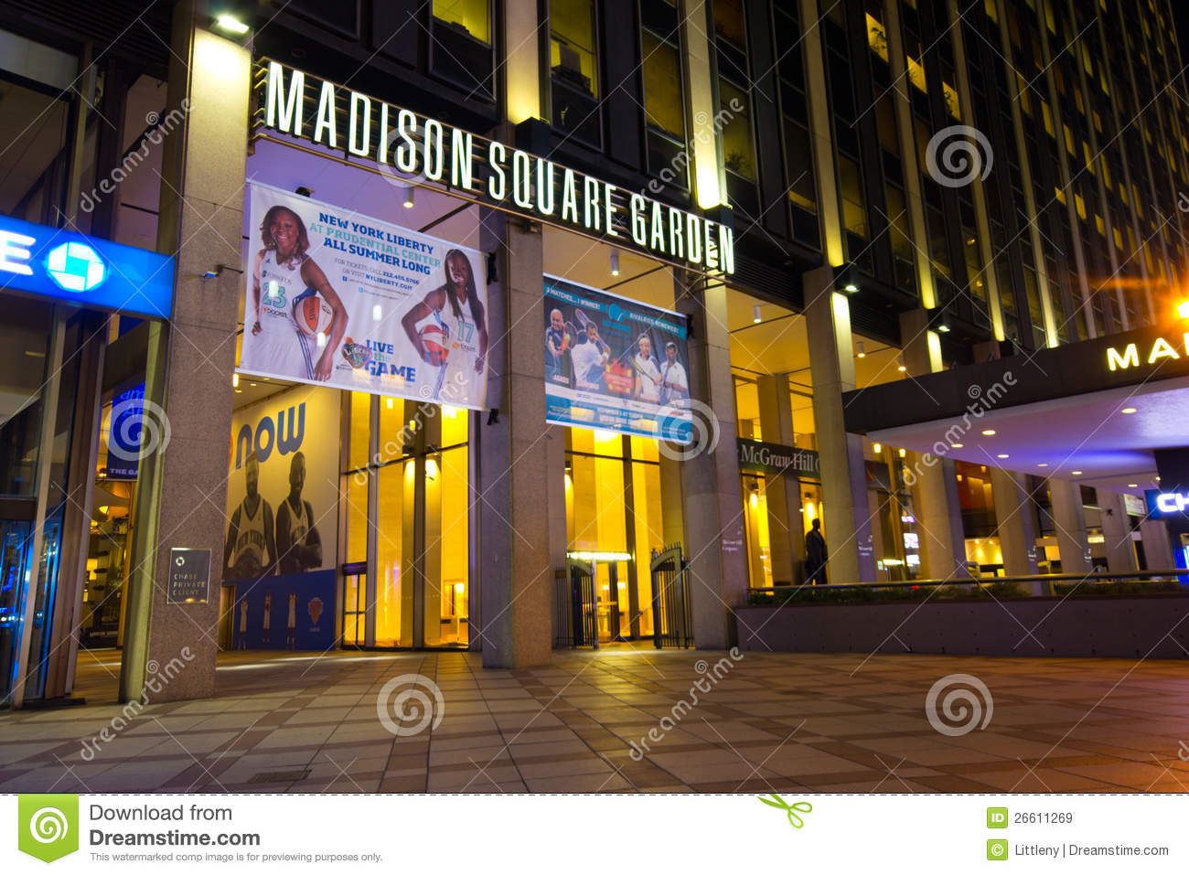 Madison Square Garden NYC editorial stock image. Image of states ...