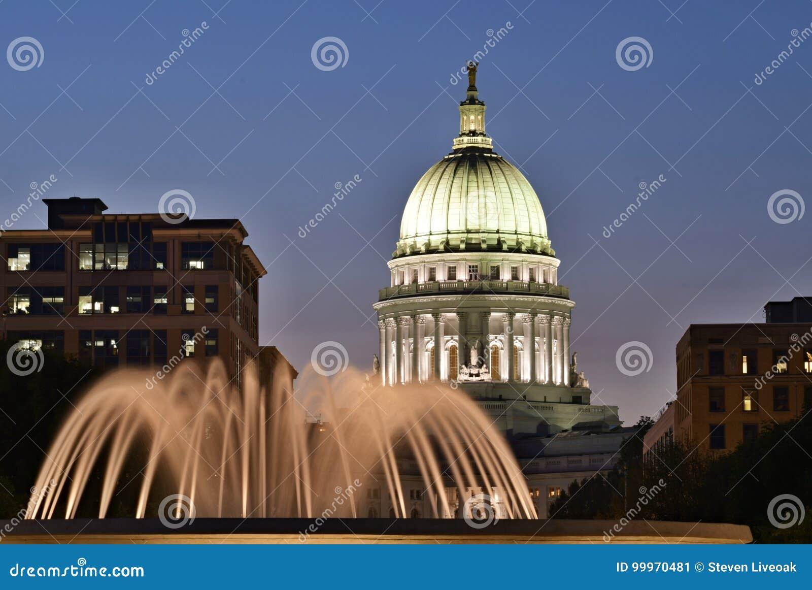 Madison Wisconsin Los E E U U Escena De La Noche Con El