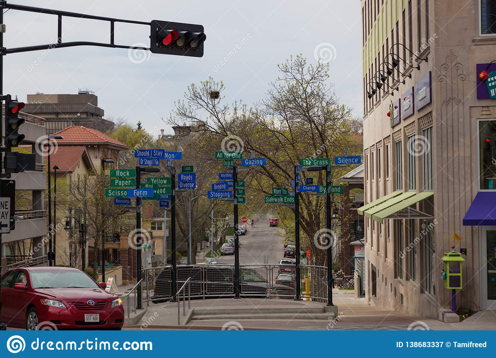 Madison Wi Exactly How Many Square >> Street Sign Artwork Editorial Photography Image Of Buildings