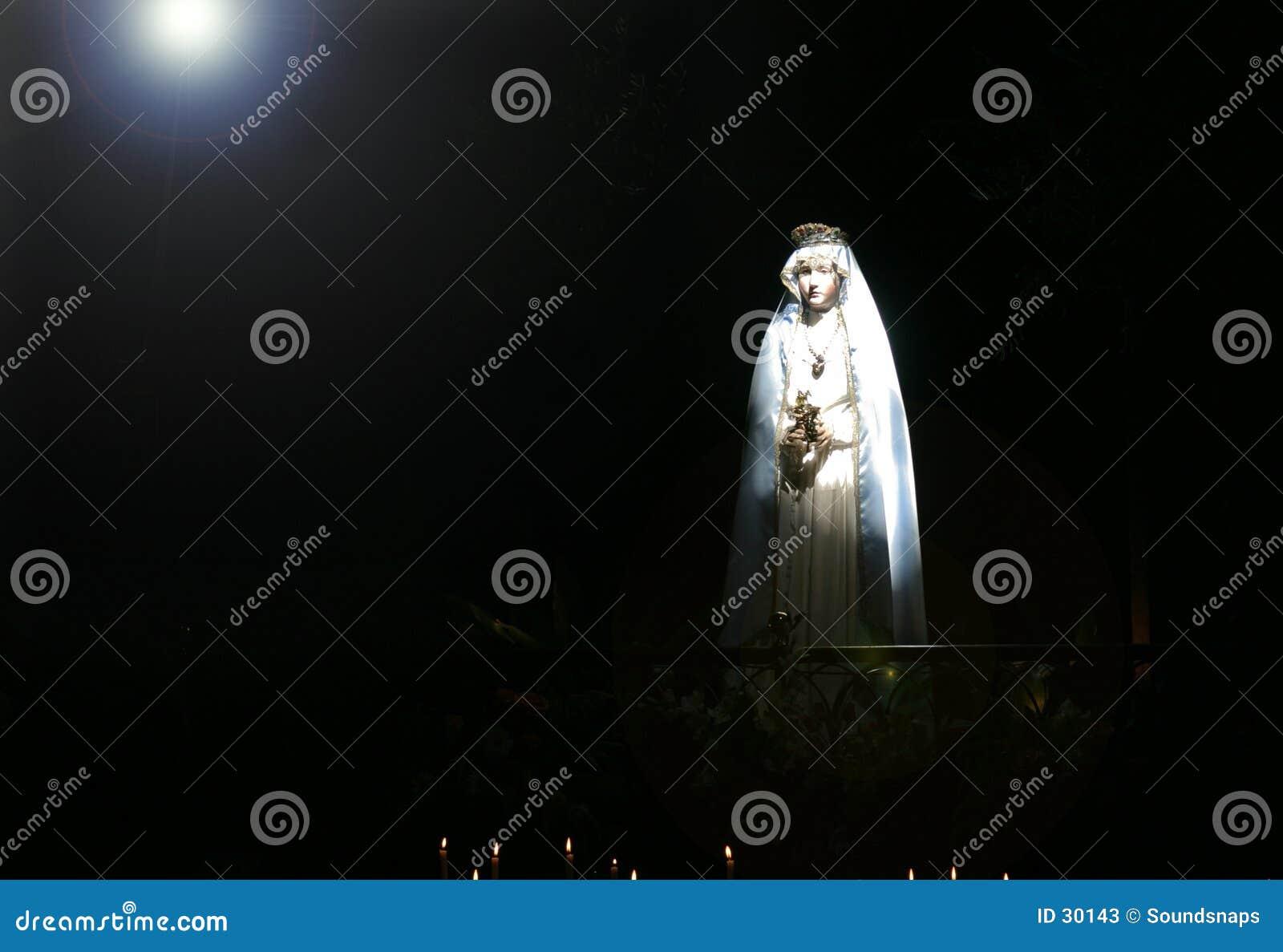 Madonna nel forte fascio luminoso