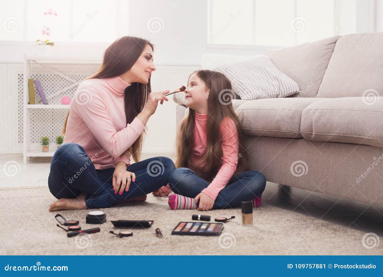 Madre e hija se hacen el amor [PUNIQRANDLINE-(au-dating-names.txt) 43