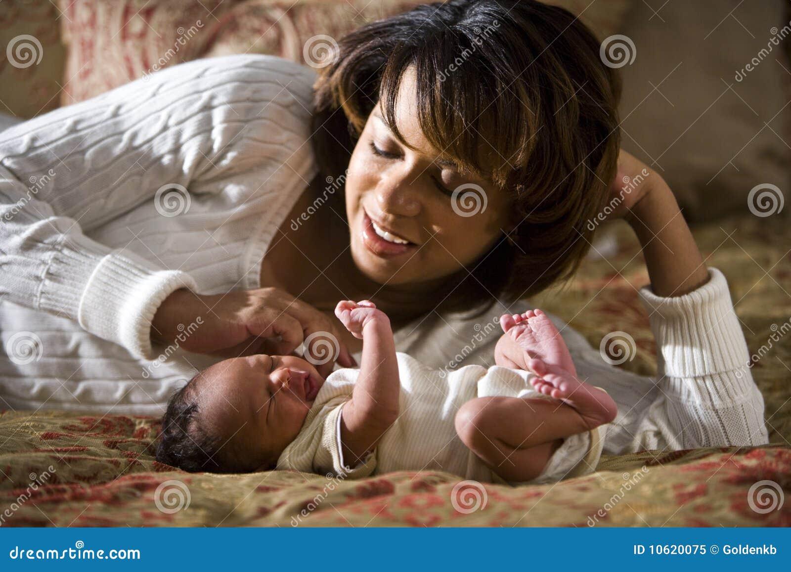 Madre ed appena nato