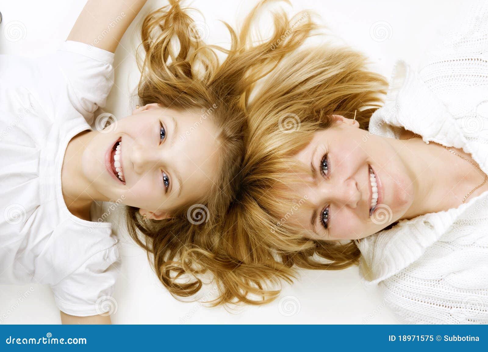 Madre y su hija adolescente