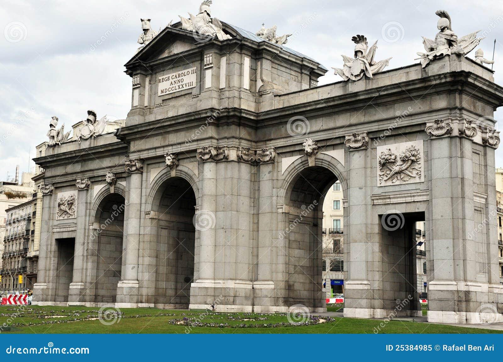 Madrid Arco De Triunfo Imagem De Stock Imagem De Lugar 25384985