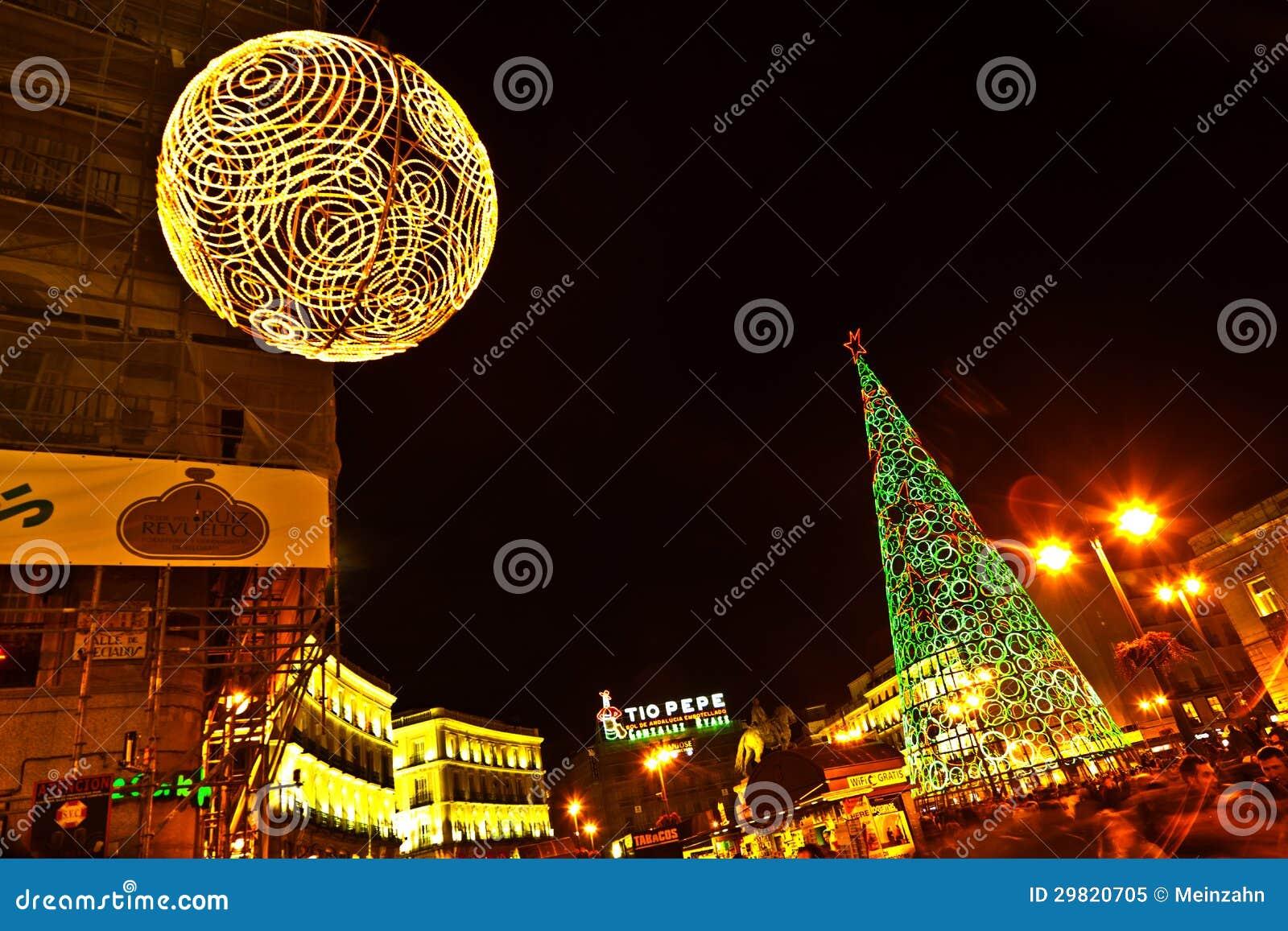 D coration lumineuse de no l madrid espagne image ditorial image 29820705 - Decoration lumineuse de noel ...