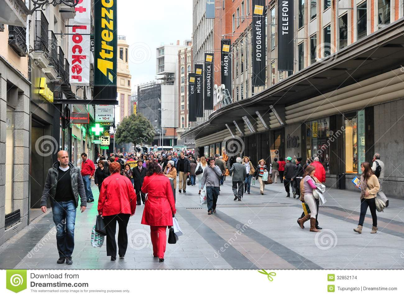 208d587e0e1 Madrid shopping editorial stock image. Image of vintage - 32852174
