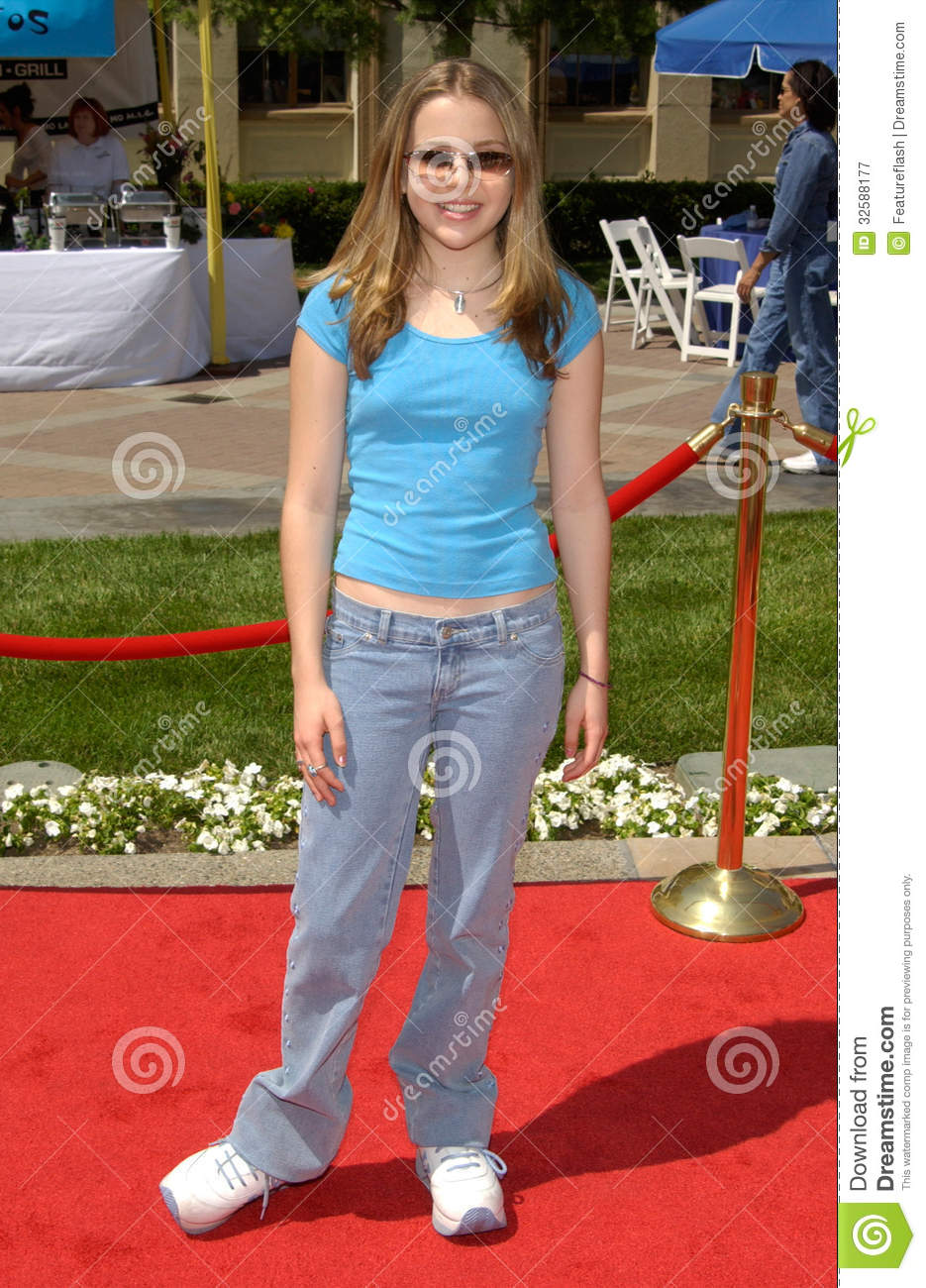 Actress MAE WHITMAN at the Hollywood premiere of Hey Arnold! The Movie ...