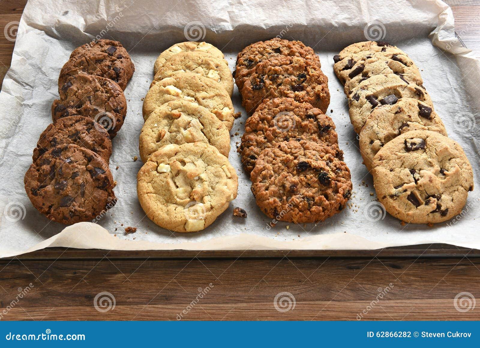 Magasin av nya bakade kakor