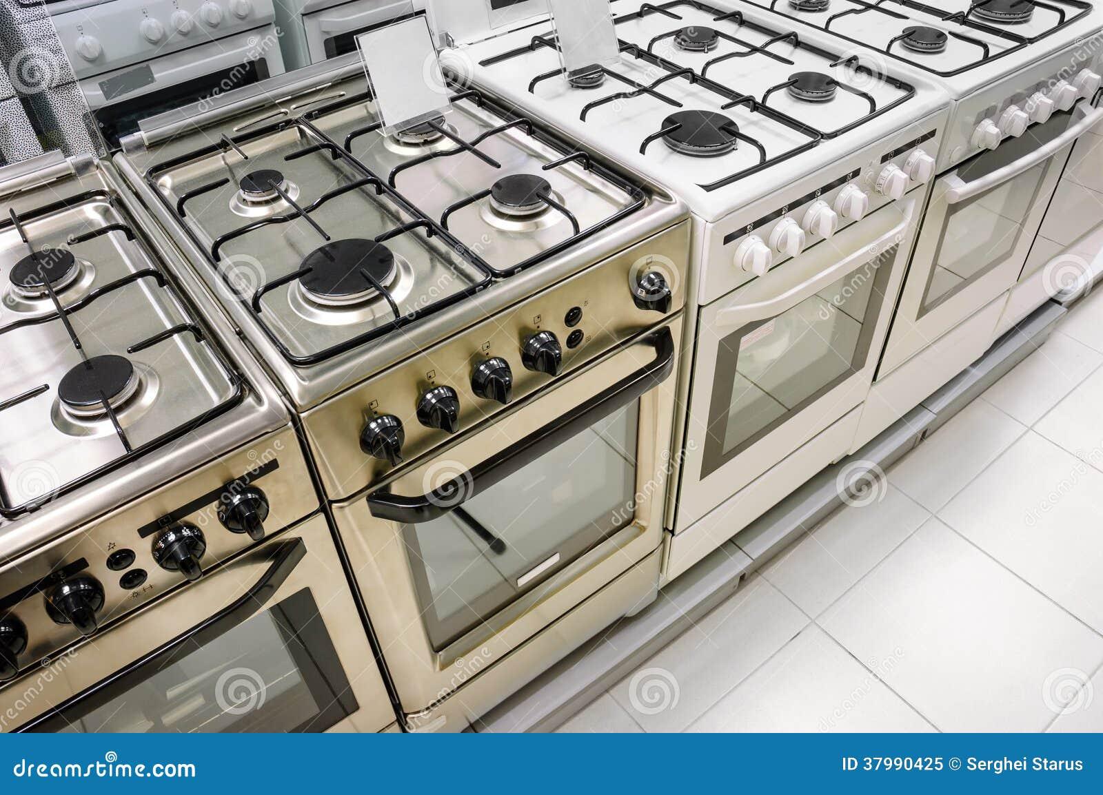 magasin d 39 appareil m nager rang e des cuisini res gaz photo libre de droits image 37990425. Black Bedroom Furniture Sets. Home Design Ideas