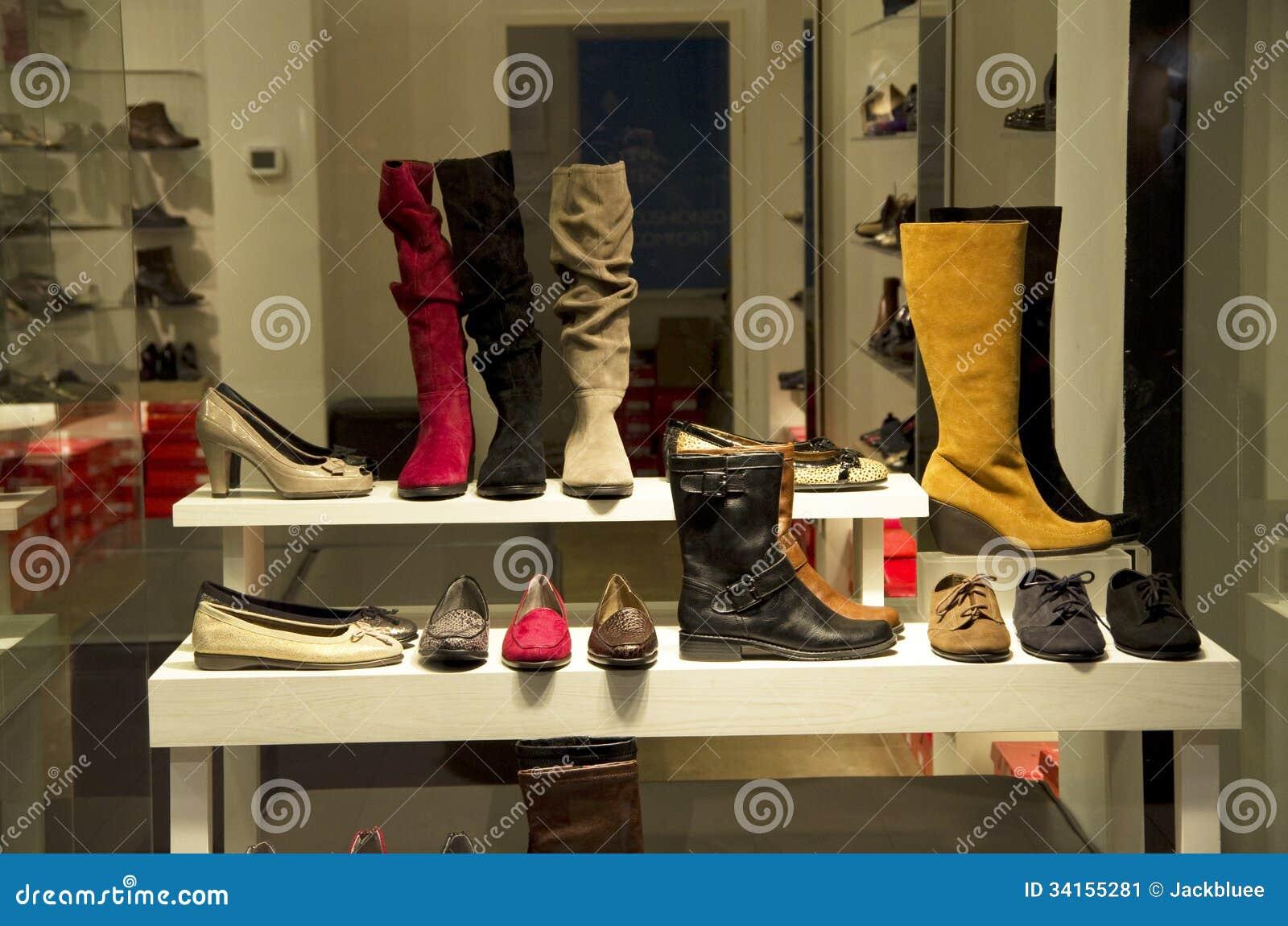magasin de chaussures de femme image stock image 34155281. Black Bedroom Furniture Sets. Home Design Ideas