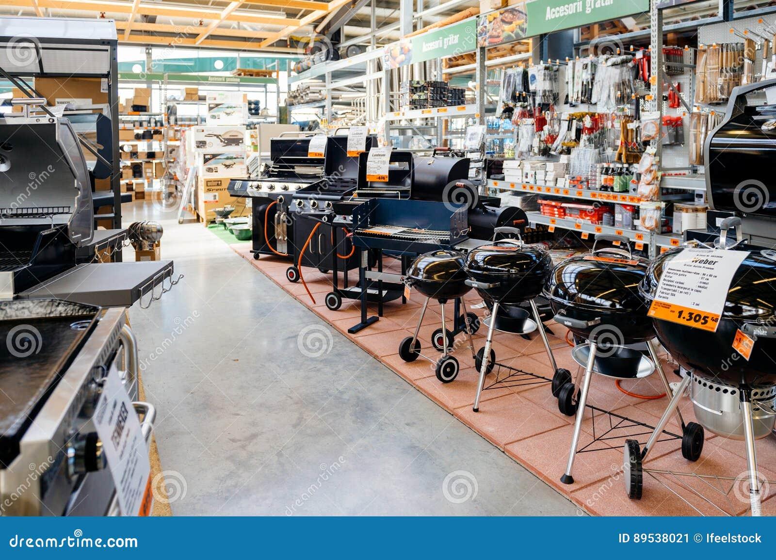 magasin de hornbach diy avec la grande s lection de barbecue des appareils photo ditorial. Black Bedroom Furniture Sets. Home Design Ideas
