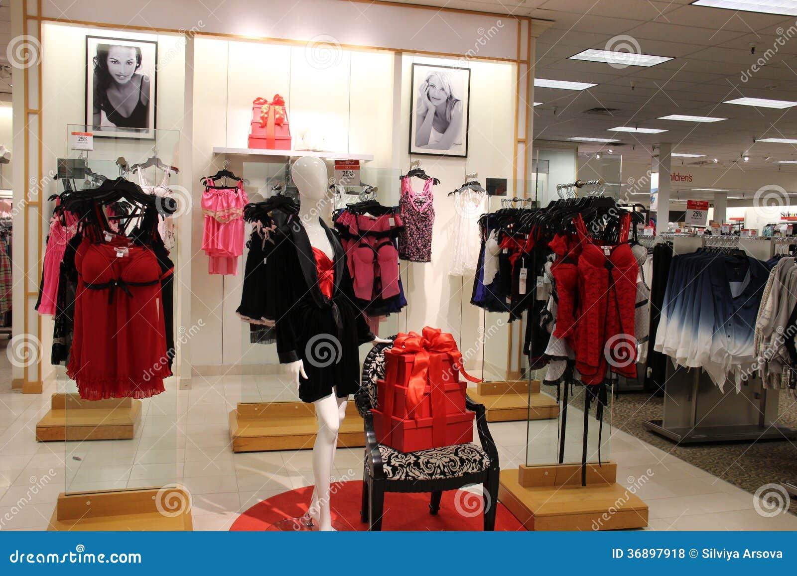 magasin de mode de sous v tements de femmes photo stock ditorial image 36897918. Black Bedroom Furniture Sets. Home Design Ideas