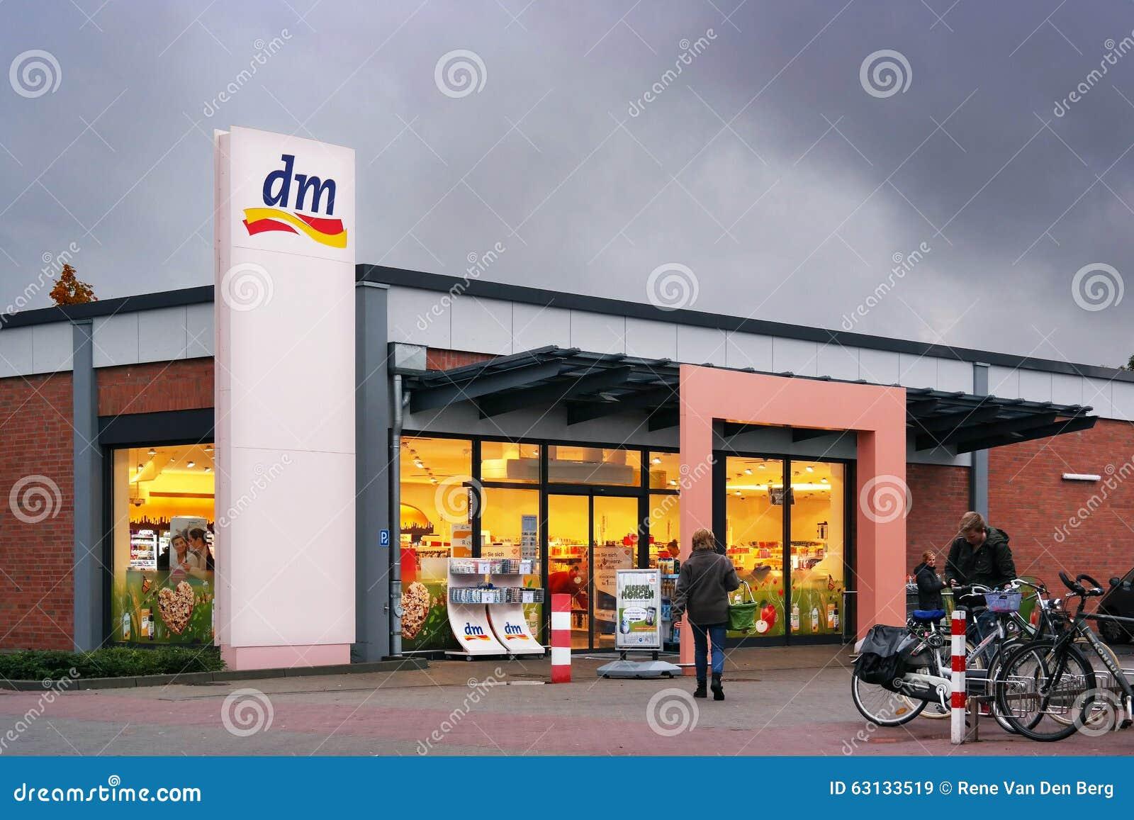 magasin du markt dm drogerie image stock ditorial image 63133519. Black Bedroom Furniture Sets. Home Design Ideas